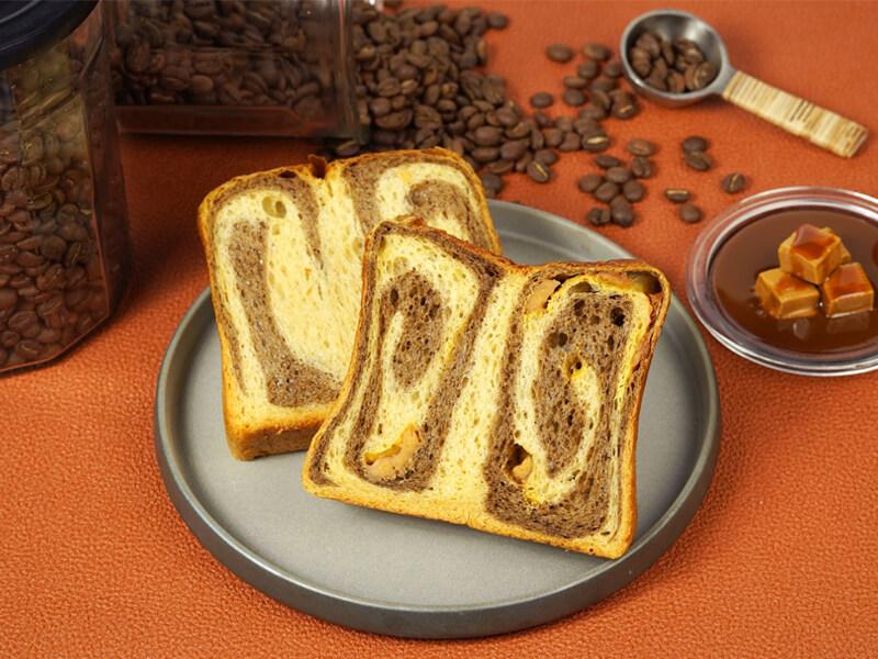 嵜本珈琲と塩キャラメルの食パンのイメージ画像